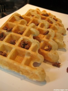 Waffles de Tofupiry e Ervas