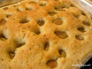 Focaccia azeitonas e ervas