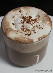 Chocolate quente com Chantilly de coco