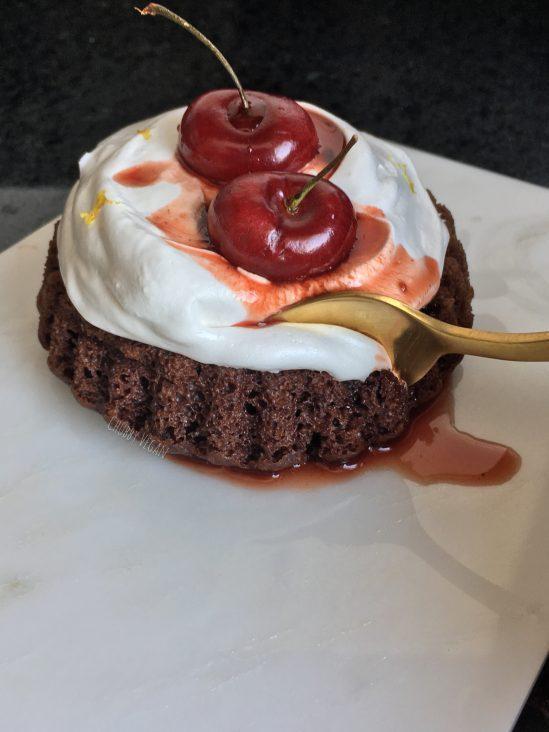 bolo natalino de cereja e laranja vegano - chubby vegan